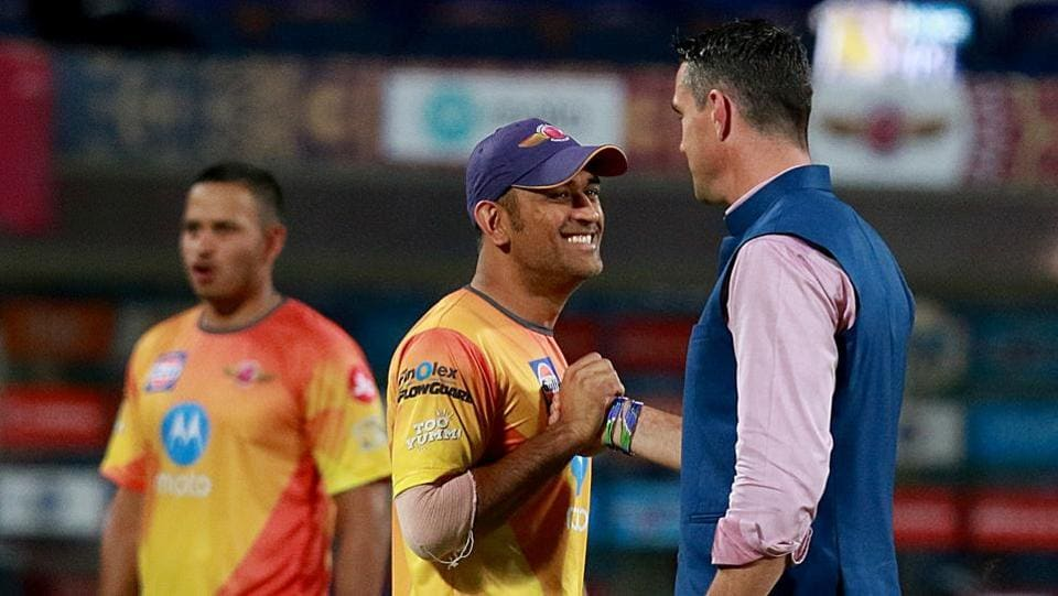 MS Dhoni (left) of Rising Pune Supergiant  and Kevin Pietersen before their 2017 Indian Premier League against Delhi Daredevils at the MCA International Stadium in Pune on Tuesday.  (bcci)