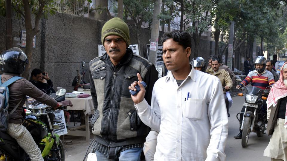 Syed Imtiaz Qadri (in cap), an impostor, is wanted by the Ghaziabad police in connection to an Audi car accident in Indirapuram that killed four people.