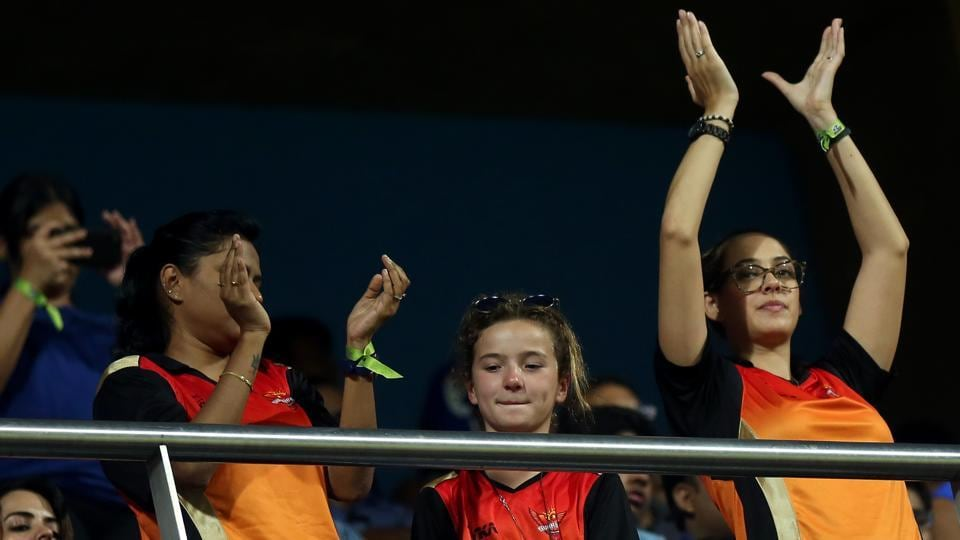 Hazel Keech, wife of Yuvraj Singh, cheers for Sunrisers Hyderabad. (BCCI)