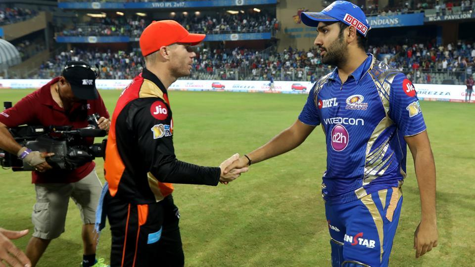 Sunrisers Hyderabad captain David Warner and Mumbai Indians captain Rohit Sharma shake hands at the end of the encounter. (BCCI)