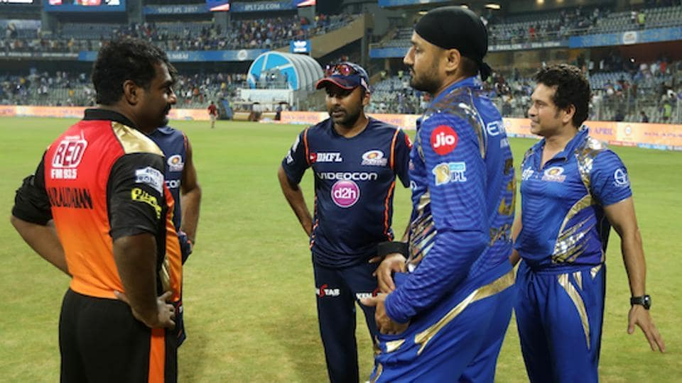 The India-Sri Lanka connection on display as Muttiah Muralidharan, Sachin Tendulkar, Mahela Jayawardene and Harbhajan Singh have a chat.