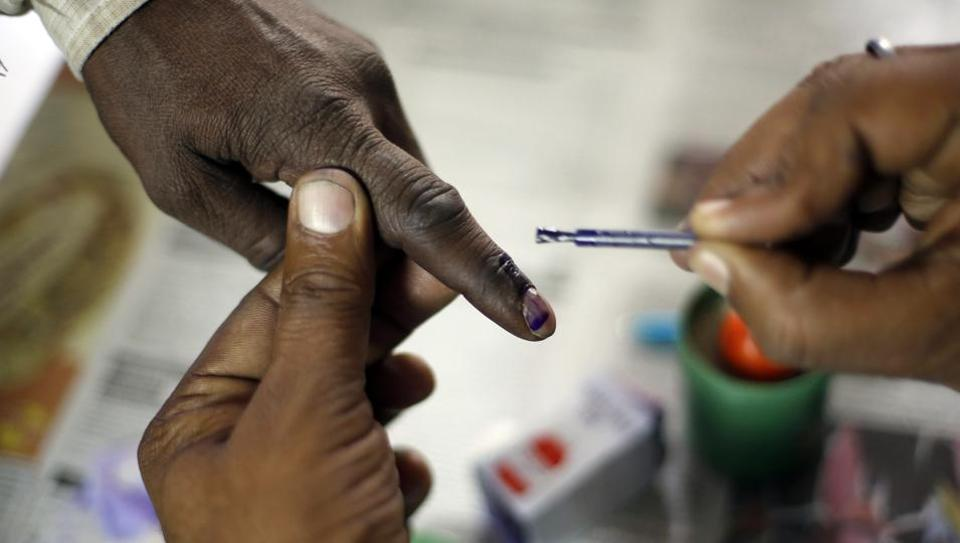 Voters will have their left ring finger inked after exercising their franchise in the Delhi municipal polls on April 23, the State Election Commission has said.