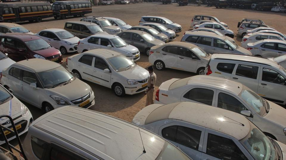 Over three months, the men lured four-wheeler owners by asking them to give their cars on rent for tourists at Mumbai's Grand Hyatt hotel.