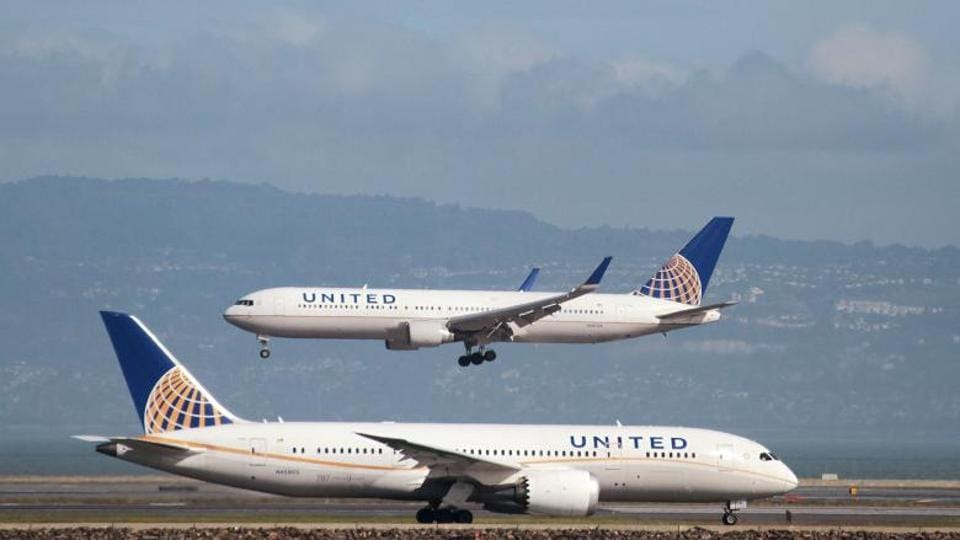 United Airlines,crew,new policy