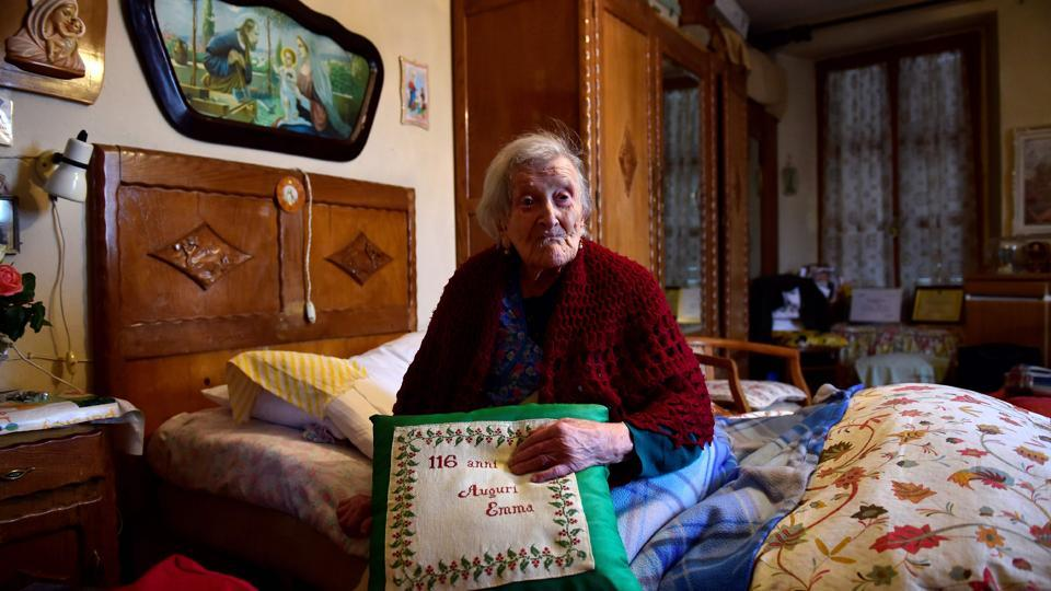 (FILES) This file photo taken on May 14, 2016 shows Emma Morano, 116, posing for AFP photographer in Verbania, North Italy, on May 14, 2016.