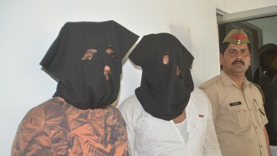 The duo is suspected to be involved in several incidents of snatching in areas such as Kavi Nagar, Raj Nagar District Centre and Raj Nagar.