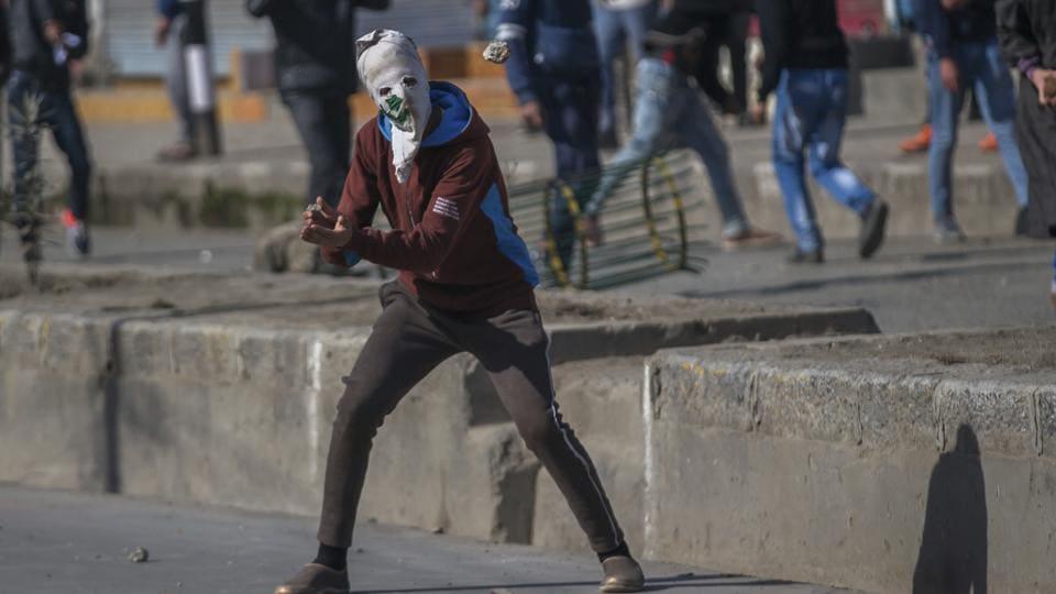 Srinagar,Kashmir,Stone pelters