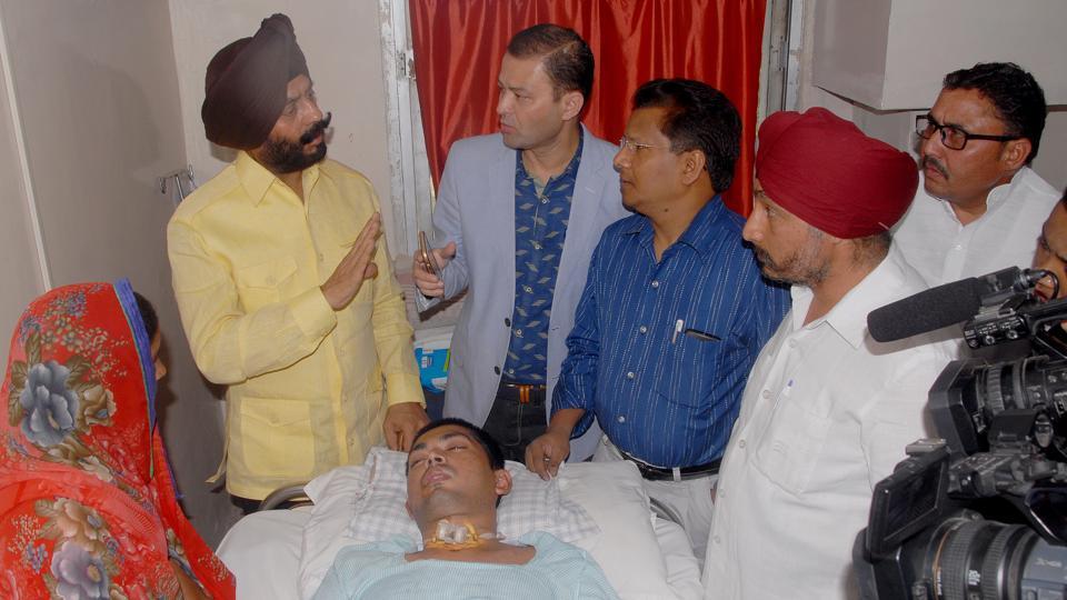 All India Anti-Terrorist Front chairman Maninderjeet Singh visited Sharma at Prakash Hospital in Noida.