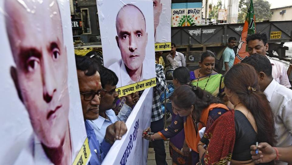 Signature campaign by BJP party workers in support of Kulbhushan Jadhav at Bharatmata Janction Curry Road in Mumbai.