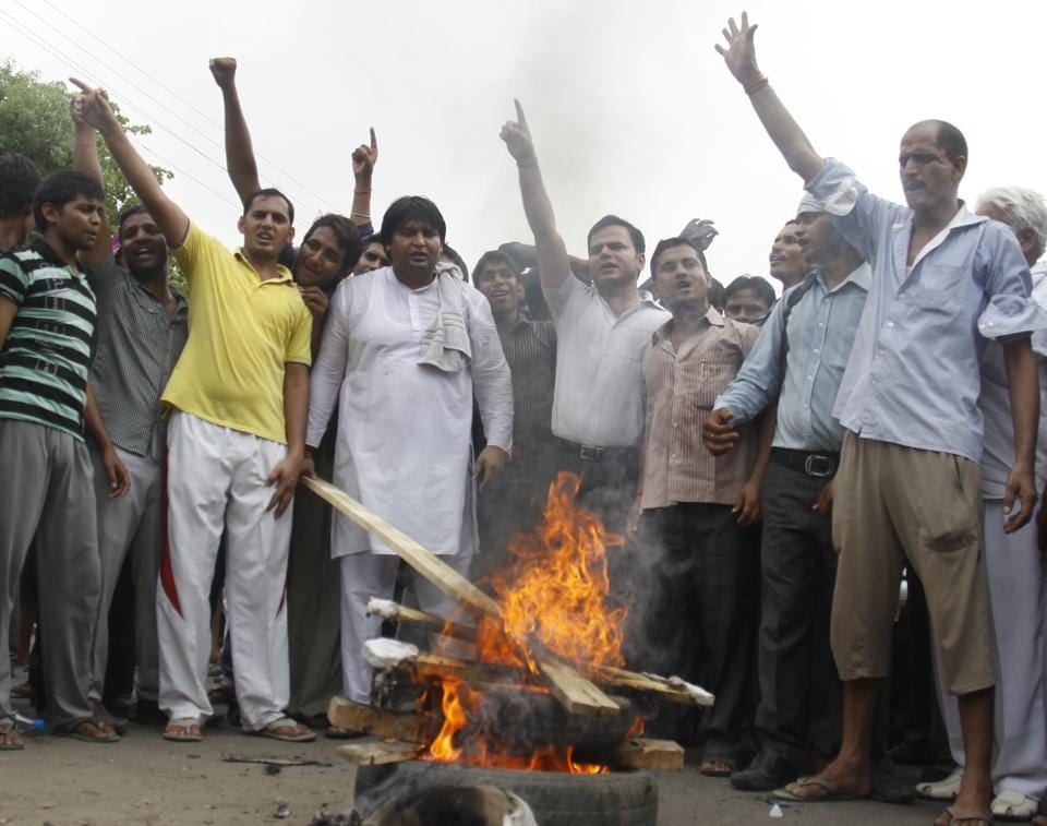 Residents hold protest over erratic power supply.