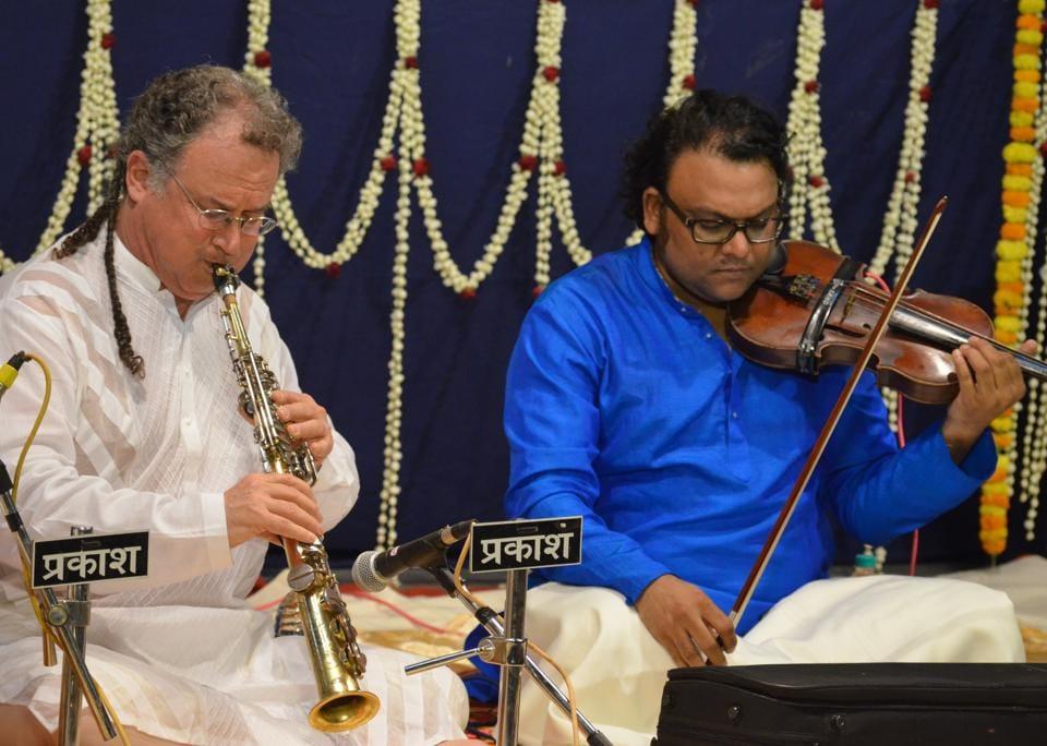 Saxophone player George Brooks (L) with Deepak Pandit.