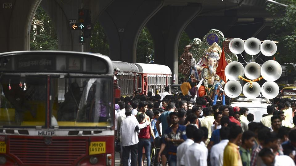 File photo of  Ganpati idol, 'Kurla cha Raja' being taken to Kurla from Chinchpokhli workshop in Mumbai.  Religious festivals in the city are a noisy affair where sound is often over 100 decibels despite court orders on noise pollution.
