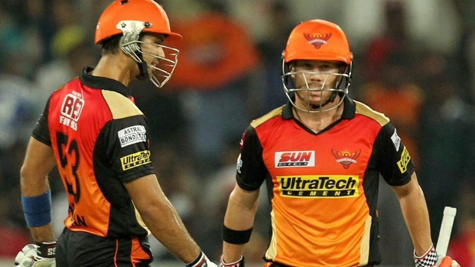 Sunrisers Hyderabad skipper David Warner (right) scored a 54-ball 70 vs Kings XI Punjab on Monday. Live streaming of Sunrisers Hyderabad vs Kings XI Punjab is available online.