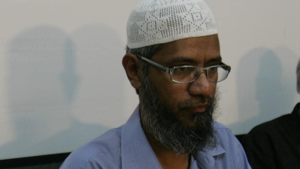 Controversial televangelist Zakir Naik at a press conference in 2010.