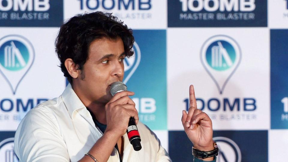 Sonu Nigam isn't happy about being woken up.