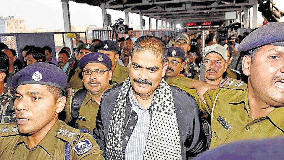 RJD leader and former MP Shahabuddin under tight security at Rajendra Nagar Terminal for shifted to Tihar Central Jail in Patna on Saturday.
