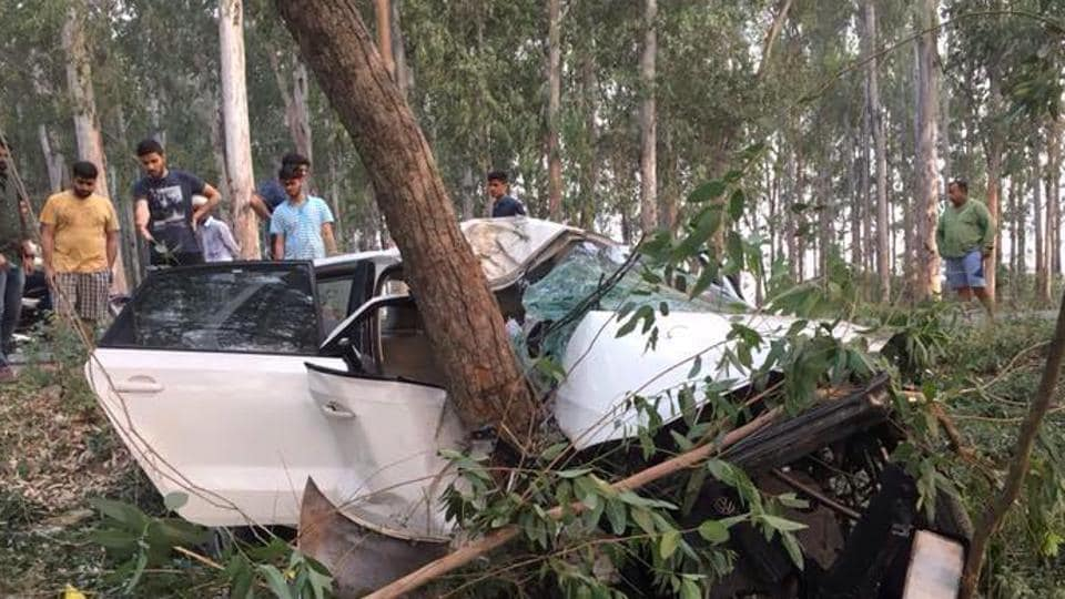 The two were killed after their car hit a roadside tree.