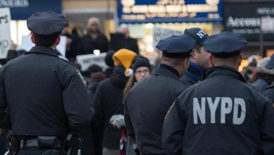 """Mayor Bill de Blasio tweeted in his support, saying """"Harkirat Singh — you are welcome here. What happened to you was wrong. You did the right thing by calling the NYPD."""""""
