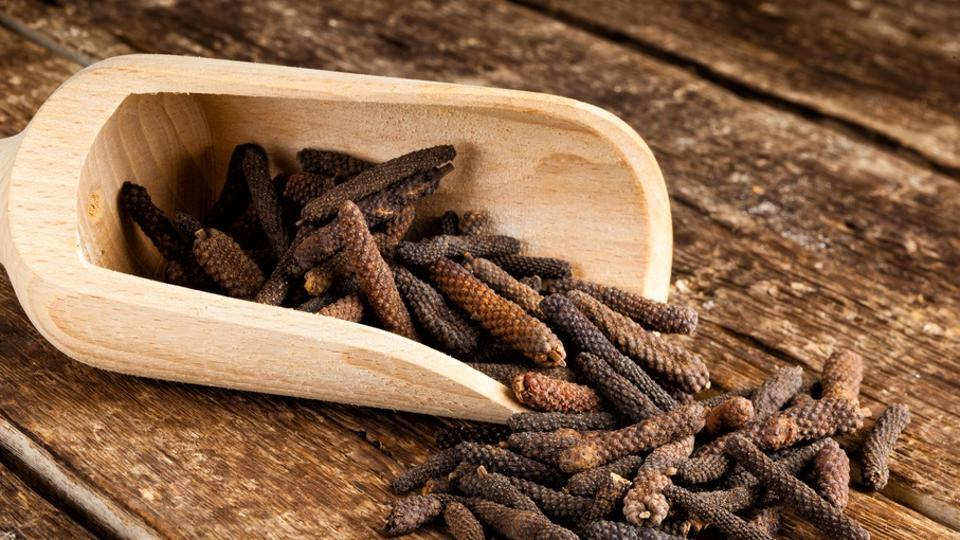 Long pepper is used as a spice in some Indian, North American, Indonesian and Malaysian foods.
