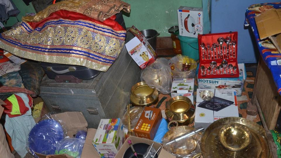 Groom pockets dowry money, elopes with girlfriend on wedding eve