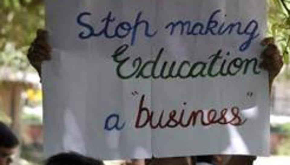 fee hike,probe against schools,Delhi Public School
