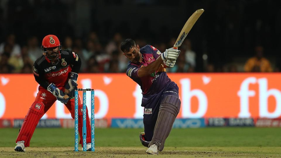 MS Dhoni has struggled with the bat in the 2017 Indian Premier League for Rising Pune Supergiant, managing just 61 runs in five games with a high score of 28.