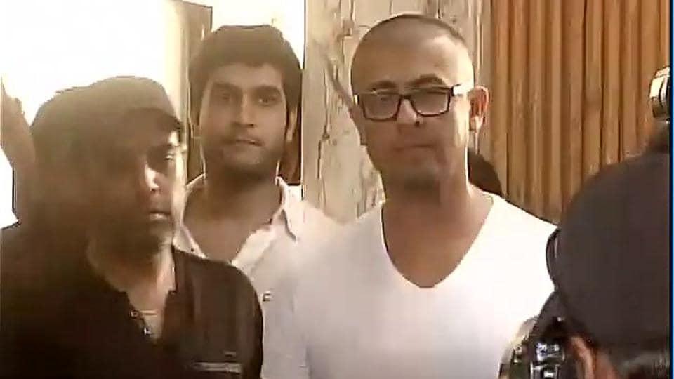 Sonu Nigam in Mumbai after the tonsure.