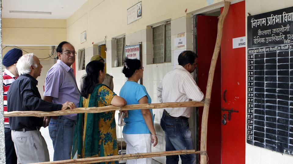 During the 2012 MCD election, the voter turnout at well-to-do areas such as Greater Kailash, Vasant Vihar and Hauz Khas, was between 37% to 46%.