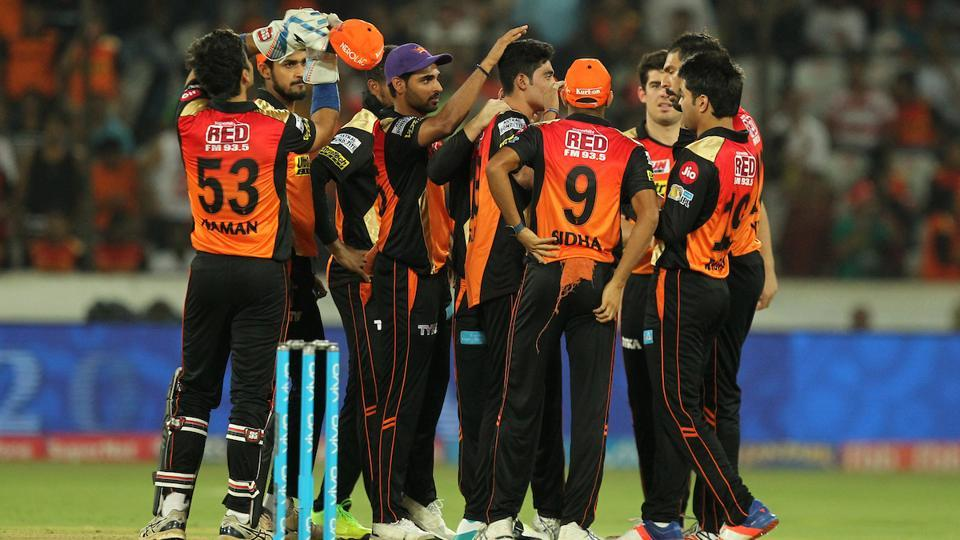 Sunrisers Hyderabad defeated Delhi Daredevils by 15 runs in their 2017 Indian Premier League clash at the Rajiv Gandhi International Cricket Stadium in Hyderabad. Get highlights of Sunrisers Hyderabad vs Delhi Daredevils here.