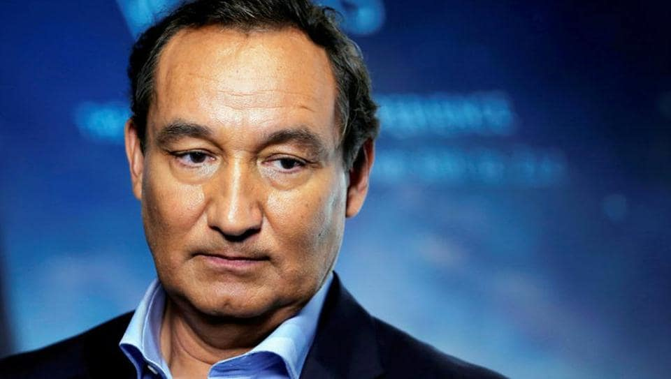 Chief executive officer of United Airlines, Oscar Munoz, introduces a new international business class dubbed United Polaris in New York on June 2, 2016.