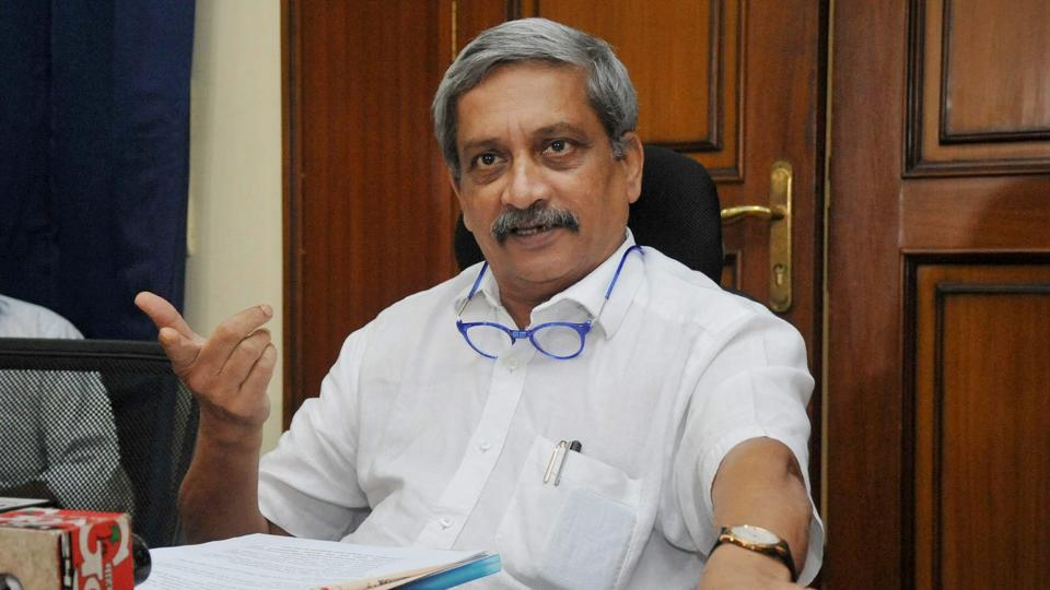Goa chief minister Manohar Parrikar addressing press conference to brief about the liquor vend issue in Panaji on Tuesday.