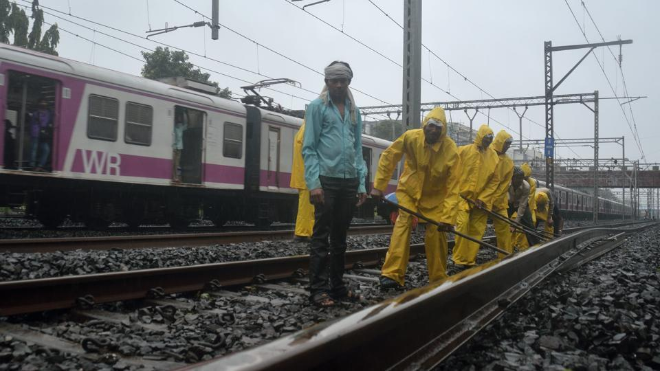 The block will begin from Sunday midnight on north-bound slow line between Andheri and Goregaon stations, according to a WR release.