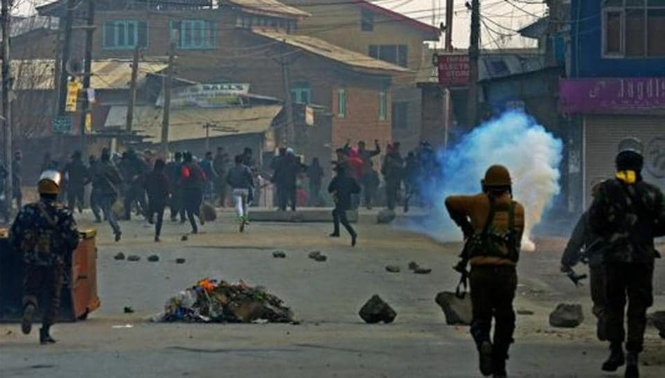 stone pelters,kashmir,video doctored