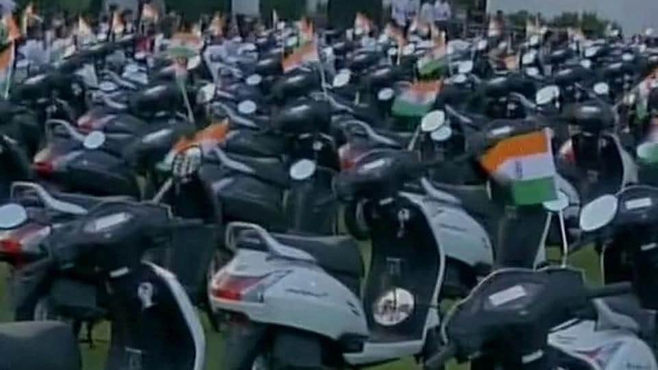 Diamond businessman Laxmidas Vekaria gifts scooter as an increment to his employees