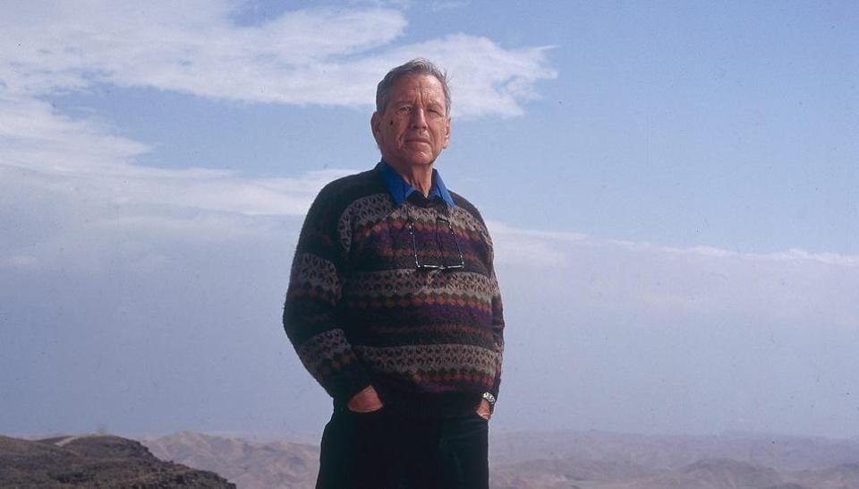 Israeli writer Amos Oz.