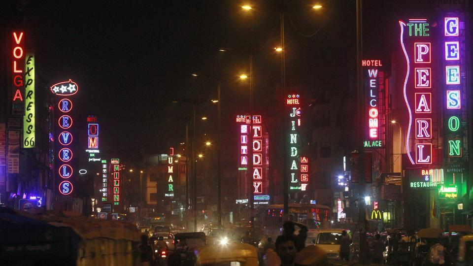 There are around 1,500 budget hotels in Delhi, most of which are located in Paharganj, Karol Bagh and Mahipalpur.