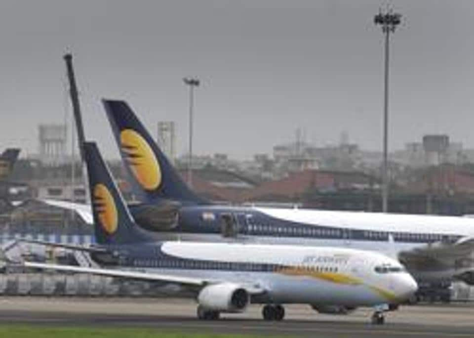 Pilots off duty for quoting incorrect designation