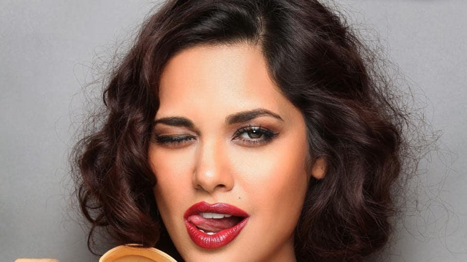 Actor Esha Gupta was recently in Dubai to walk the ramp for designer duo Anjalee and Arjun Kapoor .