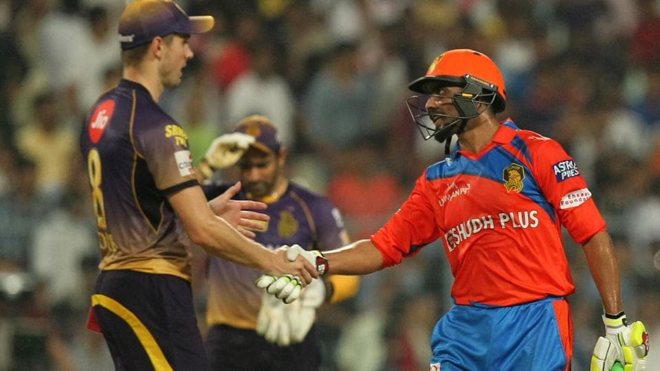 Ravindra Jadeja (right) of Gujrat Lions is being congratulated by Kolkata Knight Riders' Chris Woakes after their four-wicket win in the 2017 Indian Premier League match at Eden Gardens, Kolkata on Friday.  (BCCI)
