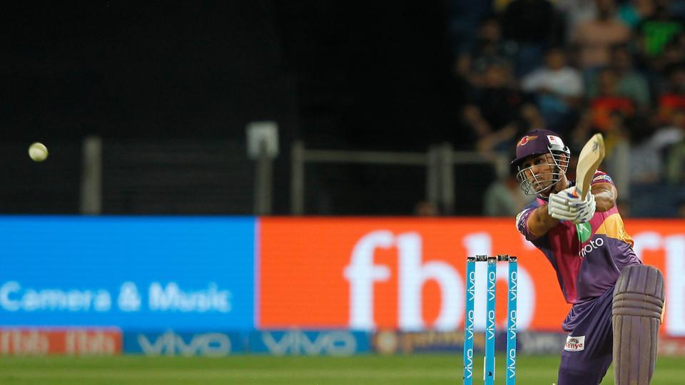 MS Dhoni of Rising Pune Supergiant scored his maiden fifty of the 2017 Indian Premier League against Sunrisers Hyderabad at the MCA Stadium in Pune. Get full cricket score of Rising Pune Supergiant vs Sunrisers Hyderabad here.