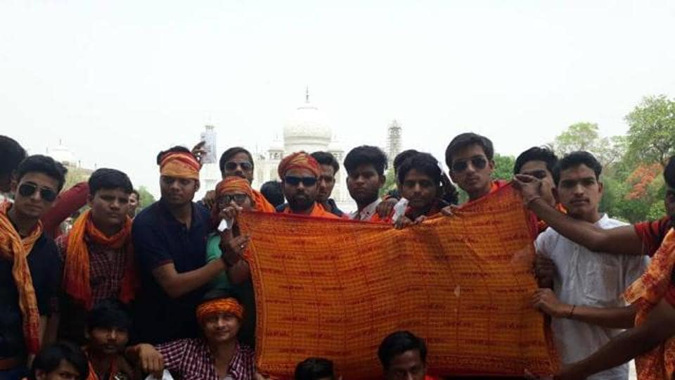 Taj Mahal,Safforn scarf row,ASI