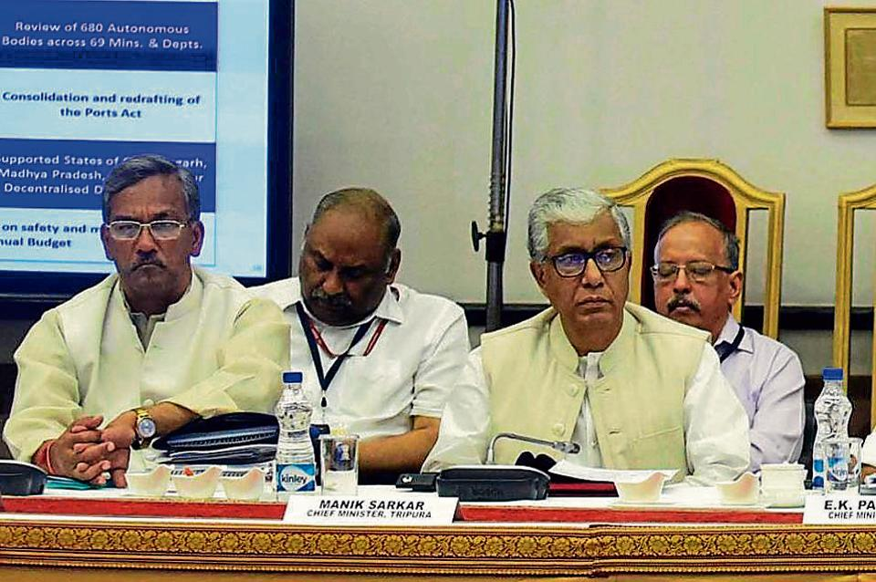Chief minister Trivendra Singh Rawat (left) with his Tripura counterpart Manik Sarkar (right) at the NITI Aayog meeting in New Delhi on Sunday.