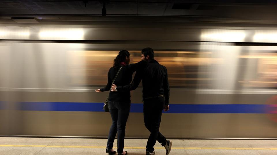 Writers say the Metro witnesses a lot of human drama —arguments , fights, love.