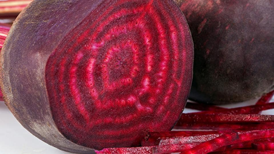 Several studies have demonstrated that beetroots increase blood flow to the brain, boost stamina, and combat hypertension among older people suffering from heart disease.