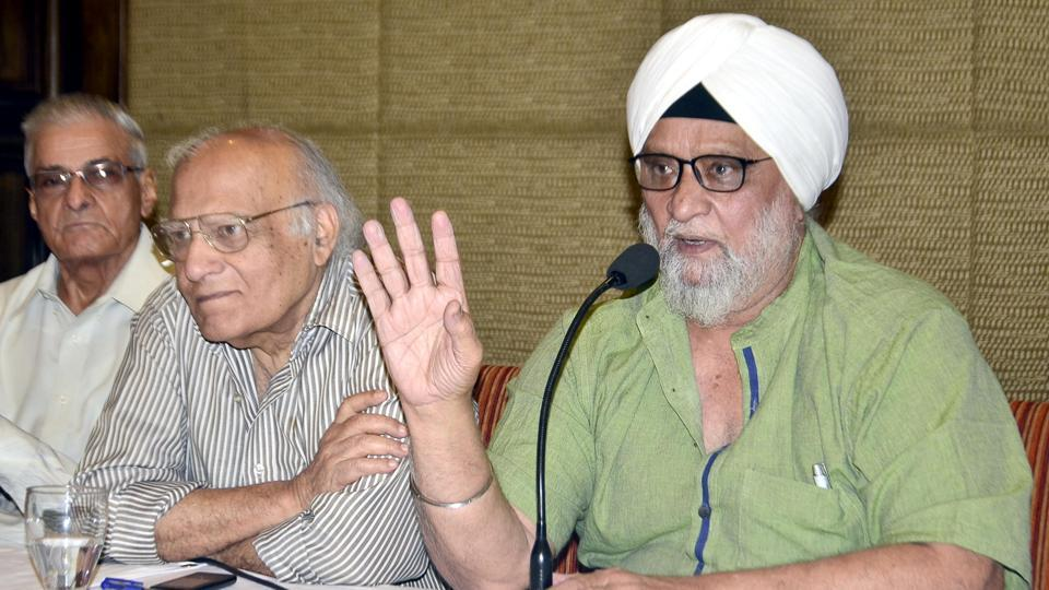 Former Indian cricket captain Bishen Singh Bedi (right) addressing a press conference in Amritsar on Sunday.