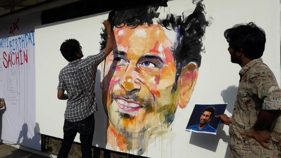 Sachin is widely regarded as the greatest and most complete batsman of his time, and the biggest icon cricket has ever known. In Thane, fans create a mural of the Little Master to wish him on his birthday. (Praful Gangurde/HT PHOTO)