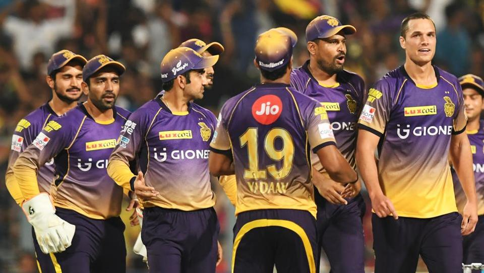 Nathan Coulter-Nile (R) picked three wickets for Kolkata Knight Riders against Royal Challengers Bangalore in an Indian Premier League (IPL) 2017 matches.
