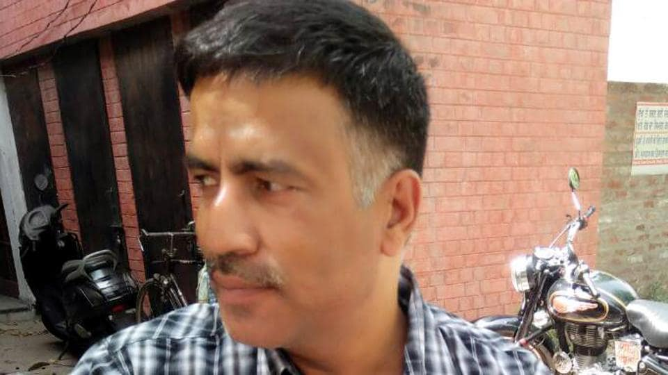 Sub-inspector Sanjiv Kumar, who sustained hairline fracture in his arm.