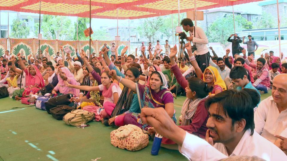 Members of various social organisations protest Pehlu Khan's death in Jaipur on Monday.