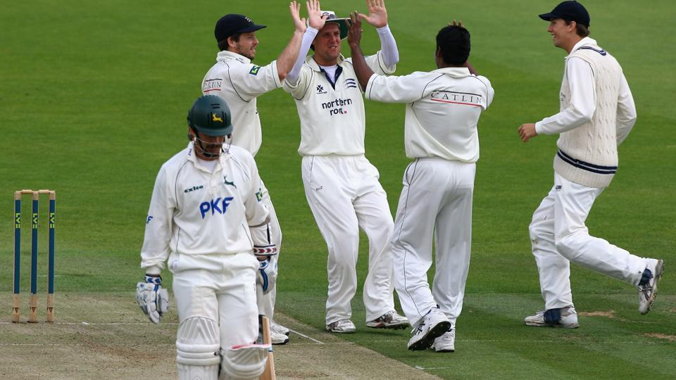The County championship match between Middlesex and Essex at Lord's saw how Essex skipper Ryan ten Doeschate upheld the spirit of cricket when players collided while trying to sneak a run.